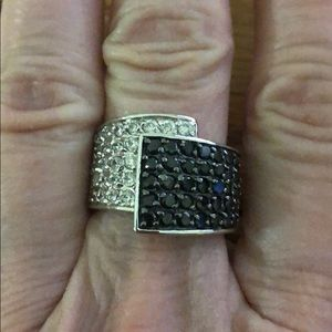 Jewelry - Black and crystal cocktail ring, size 8.